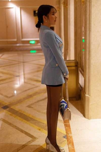 宅男女神周于希酒店午休全裸入浴