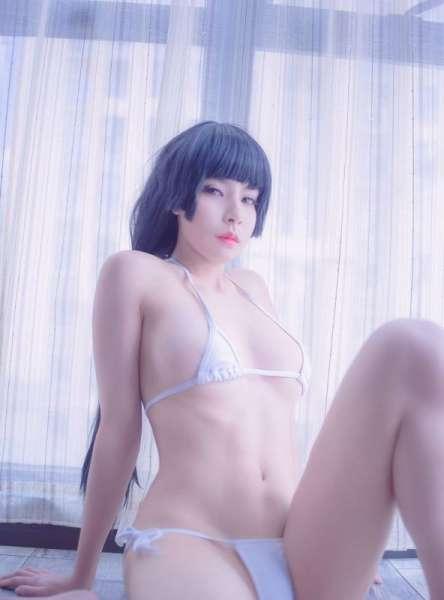 90后性感美女熙目子三点式内衣诱惑图片