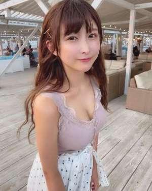 凹凸的弧线绝不简单 日本清纯樱花妹