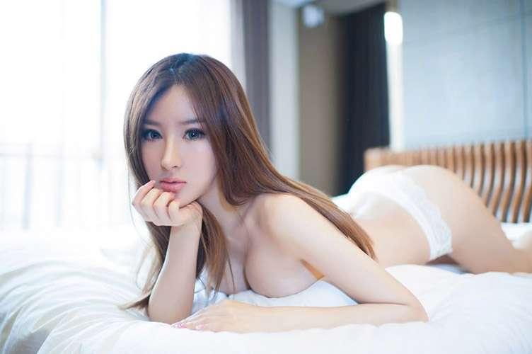 超性感美女诗朵雅全裸诱惑写真