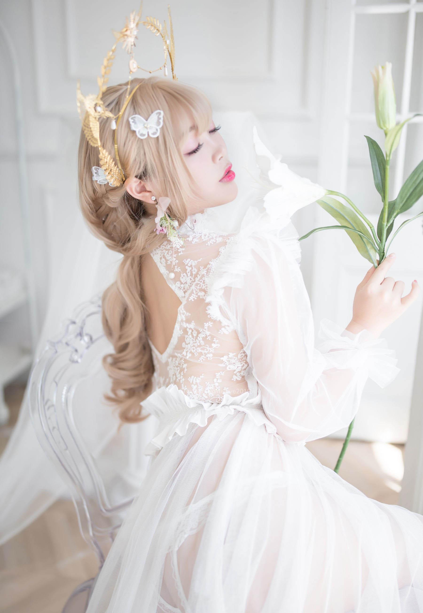 萌系小姐姐-白烨珍珠花