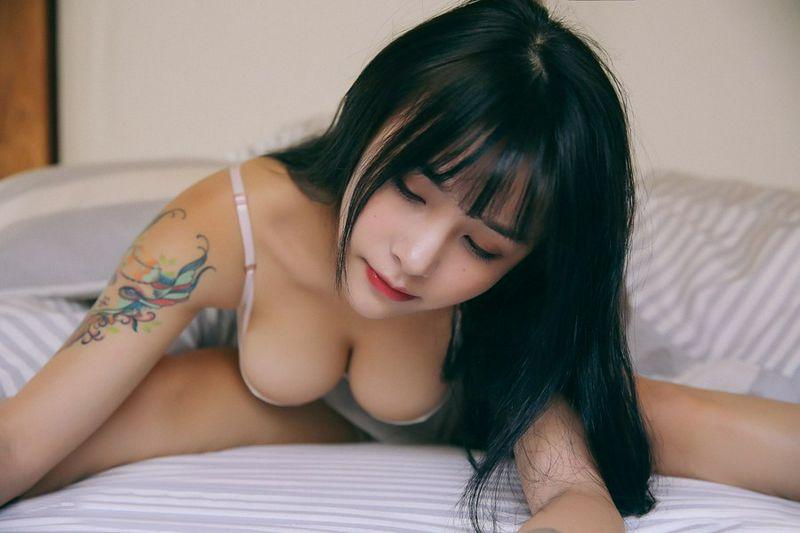 大胸长腿清新可人养眼萌妹子夏美酱清纯又不失性感