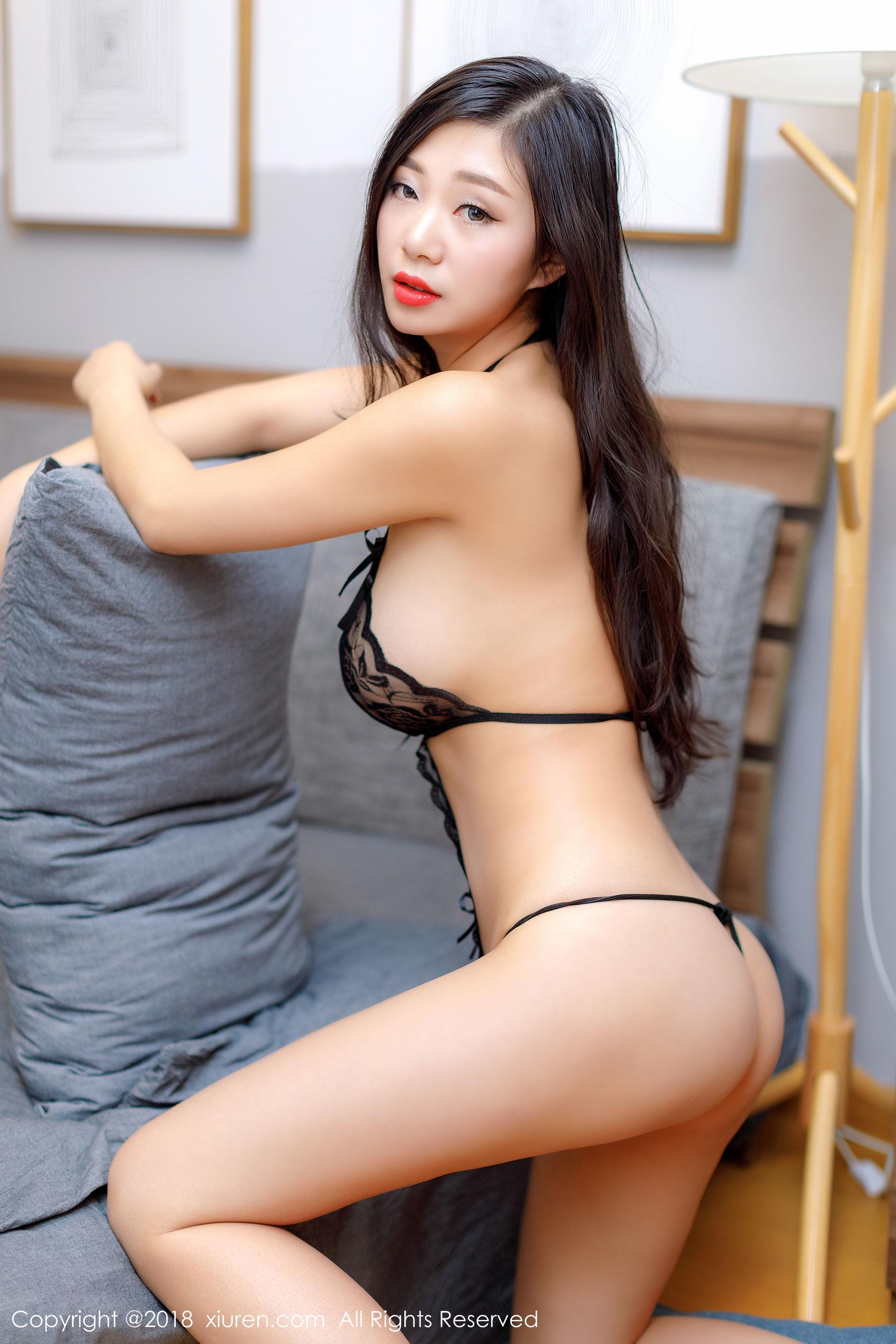 诱惑女神宋-KiKi黑色半透蕾丝情趣内衣大胆漏点