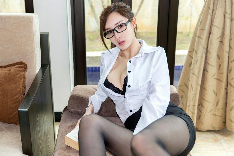 OL眼镜娘极致美女