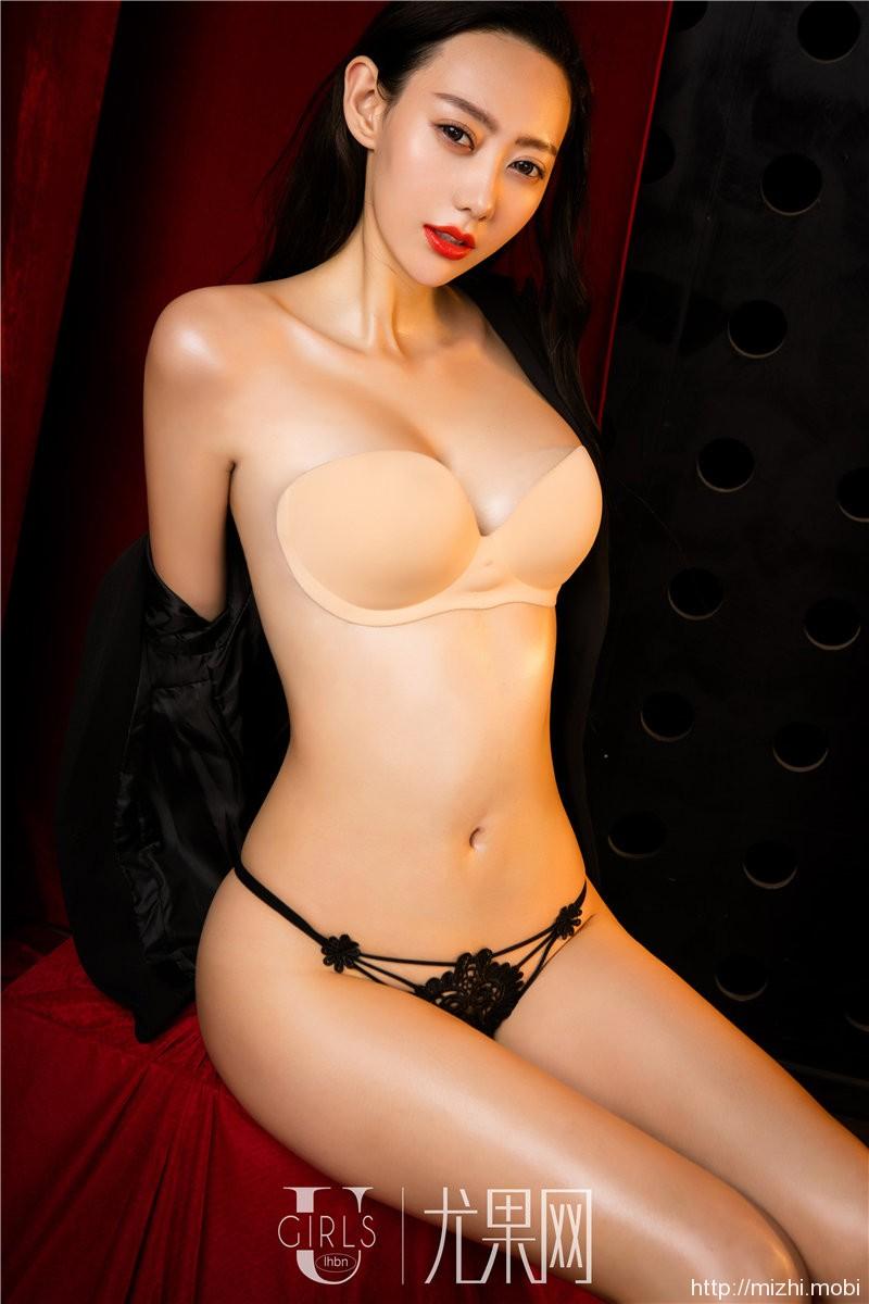 美女模特艺轩高跟长腿性感翘屁股