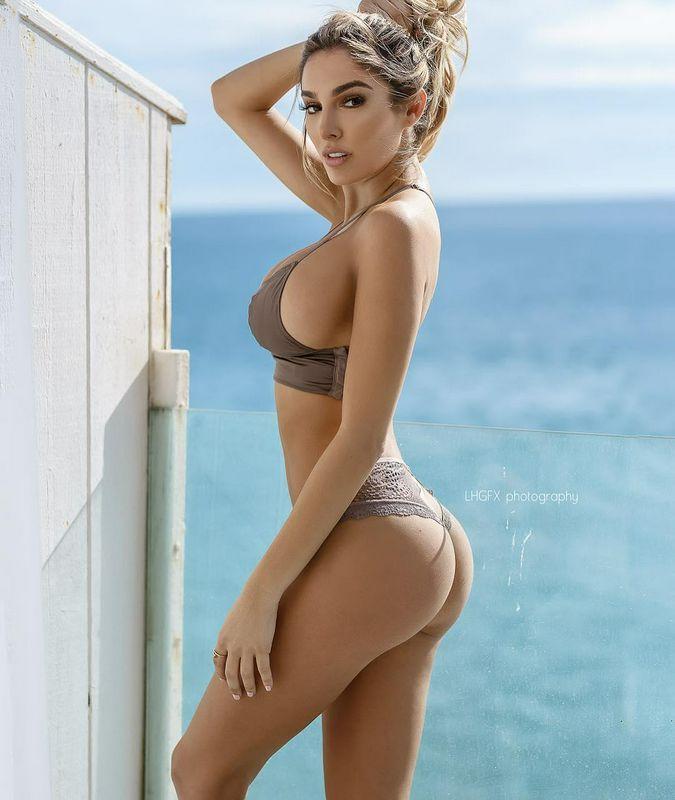 LynaPerez来自迈阿密的网红