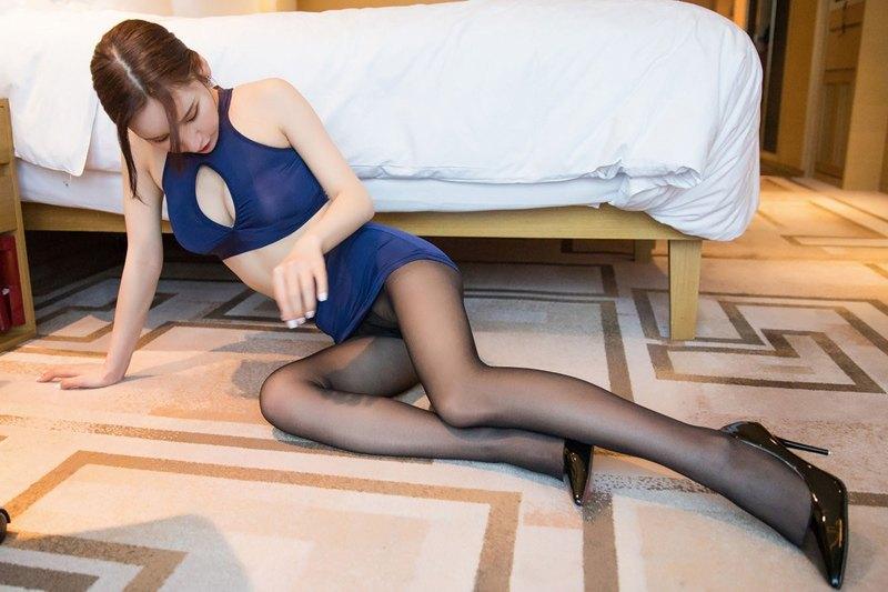 性感尤物周于希黑丝包臀十分诱惑